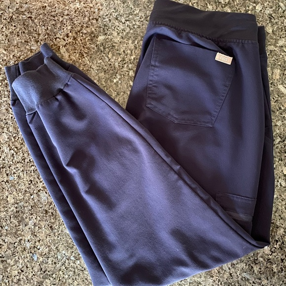 FIGS Med Petite Navy Joggers
